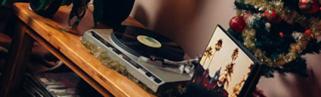 Image of a record player.